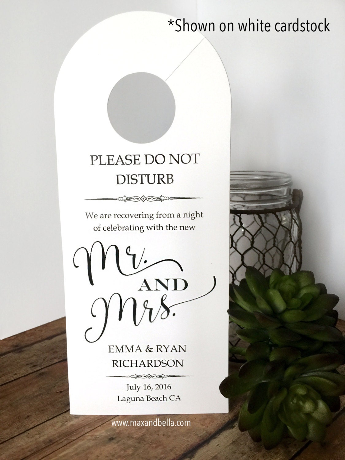 Attractive Personalized Door Hanger for Wedding Guests, Do Not Disturb Door  YC89