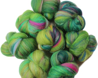 Fiddlehead -- mini batts (2 oz.) organic polwarth wool, bamboo, sari silk, sparkle.