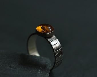 Amber ring - Amber jewelry - Sterling silver and amber ring - Real amber ring - Tree bark ring - Oxidazed ring - Gift for her