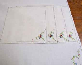 Vintage Embroidered Tablecloth and Napkins, Vintage Tablecloth, embroidered Tablecloth, embroidered Napkins, linen Tablecloth, bridal,
