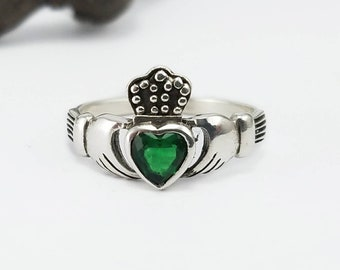 Claddagh Ring~Silver Claddagh Emerald Green Heart Stone Ring~Celtic Knot Promise Ring~May Birthstone~Irish Wedding Ring~Gift for Her
