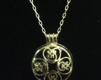 Diffuser Necklace, Essential Oil diffuser Jewelry, Silver design photo locket