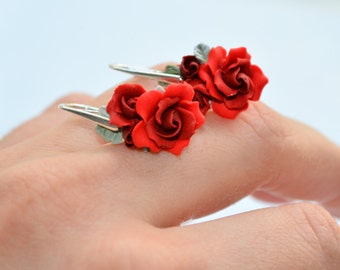 Delicate red roses and sterling silver earrings, precious collection
