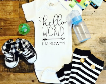 Hello World / Custom Name / Baby Bodysuit / Baby Boy / Baby Girl / Baby Clothes / Baby Gift / Baby Shower / Newborn / Coming Home Outfit