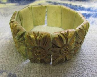 Vintage square medallion-stone bone link elasticated bracelet, gold relief surface