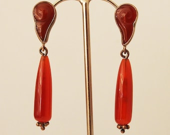 925 Silver pair of earrings and semi precious coral