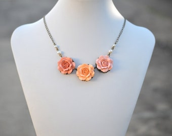 Peach and Pastel Peach Rose Centered Necklace, Peach and dusty Peach Rose Bip Necklace, Bridesmaid Necklace