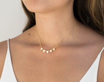 Gold Triangle Necklace / Five Triangle Necklace / Statement Necklace / Gold Layering Necklace / Everyday Necklace / Bridesmaid Necklace