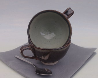 Pair of cups, ideal for cappuccino or tea