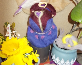 Spring wool fairy (pregnant)