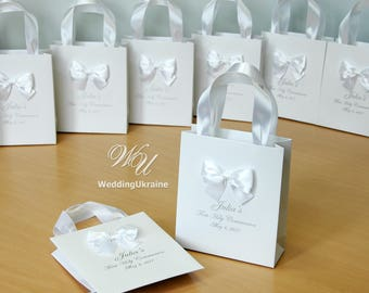 25 First Communion favors Gift Bags with satin ribbon, bow and custom name - Elegant Personalized 1st Communion gift for girls or boys