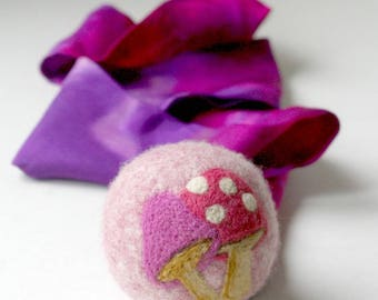 Wool Ball with Silk Tail: Waldorf Inspired Comet Ball (Magical Toadstools) (All Natural Wool and Silk Toy)