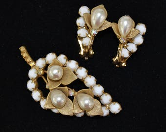 Vintage Jewelry Set of Clip-On Earrings and Brooch with Milk Glass Rhinestones and Faux Pearl Flowers