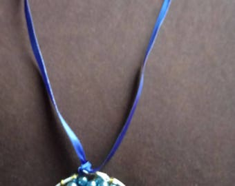 Necklace tree of life blue beads and wire sexy and feminine