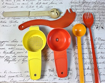 Vintage retro Tupperware gadgets give a ways tools orange  yellow sifter separator fork olive