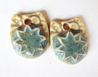 Small flower charms, Drop green pendant, flowers ceramic charms, flowers design earrings, floral supplies, charms ceramic jewelry making