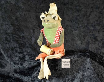 FREE SHIPPING - Vintage Dakin Dream Pets Calypso Joe Sitting Frog Stuffed Animal