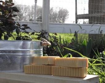 Honeysuckle – Age Defying Facial Bar (cold processed, facial soap, natural, vitimins, natural)