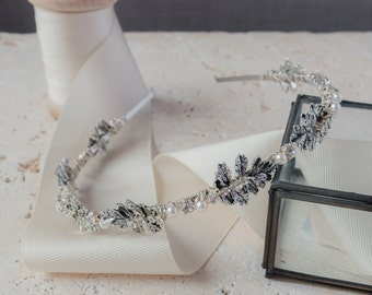 Leaf Design Bridal Headband with Pearls and Diamante