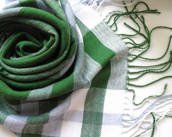 Handwoven scarf warm green 150x49