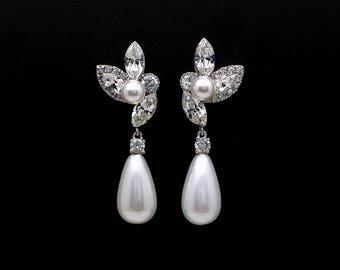 bridal wedding jewelry glam vintage Swarovski clear fancy marquise round crystal rhinestone white cream shell teardrop pearl post earrings