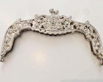 Size 16.5cm (6.5 inch) wide Rose Purse/ hand bag frame silver. 1pc with sewing holes 40cm detachable chain handle included