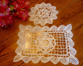 French Lace Doilies Pair of White Doilies Different Sizes Vintage