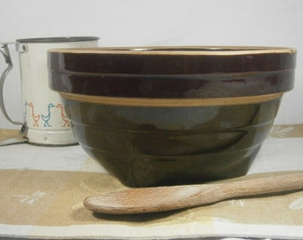 "Vintage Brown Mixing Bowl / Vintage Ribbed Mixing Bowl / Pottery Bowl / 9"" Bowl / Marked USA, 1950's"