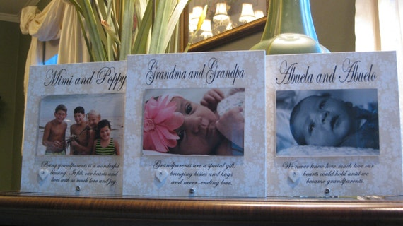 Abuela and Abuelo Frame SELECT ANY GRANDPARENTS\' Names