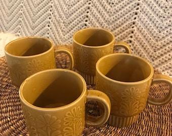 Vintage Floral Gold Mugs