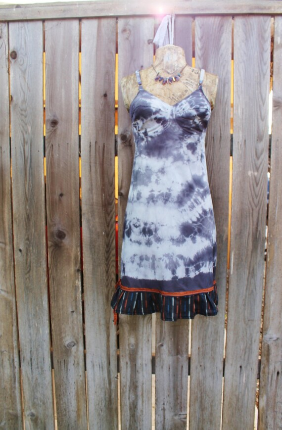 Small 1940s WWII Vintage Slip dress/Structured and Fitted Dress/Hot Summer/Tie Dye Slip/Small Eco/Black and White Babydoll Dress/Hipster