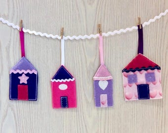 ITH 4x4 Garland of Houses. EASY ITH project by Pixie Willow Patterns