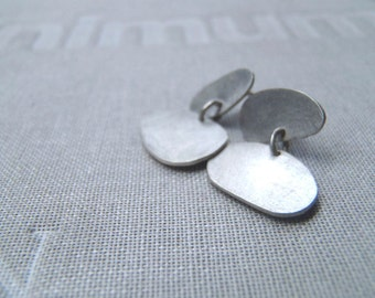 Double articulated dots stud earrings in brushed sterling