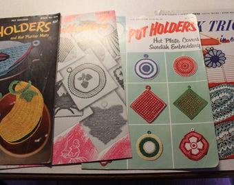 Crocheted Pot Holders- Vintage Booklets- lot of 4