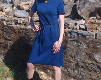 1960's Dark Blue Vintage Shift Dress Short Sleeves Chevron Pattern