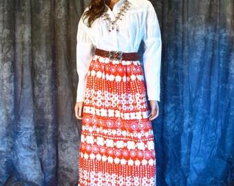 Vintage 1970s Skirt / Vintage 70s Pop Art Maxi Skirt / Novelty Border Print / Floral Hippie Prairie Boho Festival Skirt