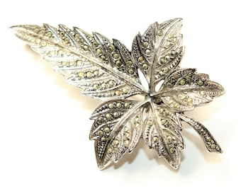 Sparkly Marcasite Silver Coloured Large Leaf Vintage Brooch (c1950s)