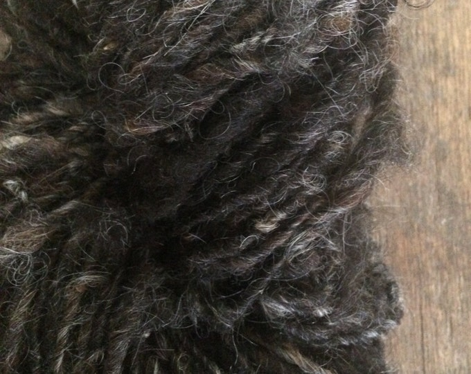 "Icelandic wool ""Ganser"", 50 yards handspun icelandic wool, undyed rustic wool yarn, natural black handspun yarn, lockspun textured art yarn"
