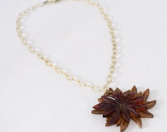 1930s vintage necklace / wood & bakelite necklace / In the Wind