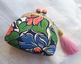 Handmade vintage floral coinpurse/pouch with pink rose kiss lock frame
