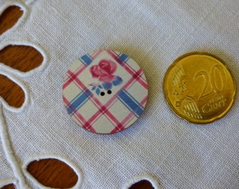 Wood round Digoin striped button