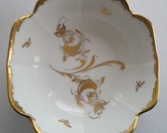 Elegant Gilded Floral VERITABLE PORCELAINE de FRANCE ~ Hand Painted Limoges Trinket Jewelry Dish ~ Vintage Treasures For Your Pleasure