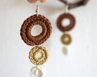 Crochet round earrings