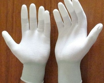 Sale **Reduced to Half Price  *** Quilter's Gloves 'FINGERTIP HIGH Grip'  For Quilting, Free Motion, Thread Painting and much more