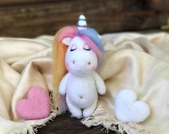 Unicorn toy Unicorn ornament felt Unicorn Needle felted unicorn Unicorn Photography Newborn props toy needle felted animal unicorn felt toy