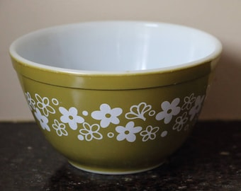 Pyrex Spring Blossom Green Mixing Bowl - #401, 750ml
