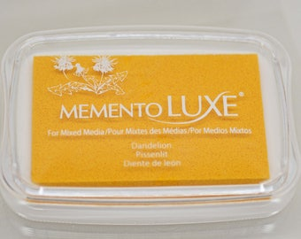 Memento Luxe Stamp Pad -- Dandelion -- Mixed Media Full Size Stamp Pad