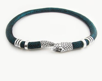 Snake choker ketting, ketting van Python, Snake jewelry, slang ketting, Donkerblauwe Collier, unieke ketting, Gothic sieraden