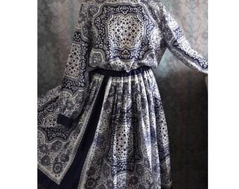 Sz M / L sz 12 Vintage Floral Dress