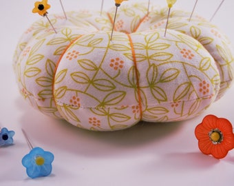 Flower Pincushion, Leaf and Flower Design Pincushion with decorative pins for sewing and quilting, Round Pincushion, Large Pincushion